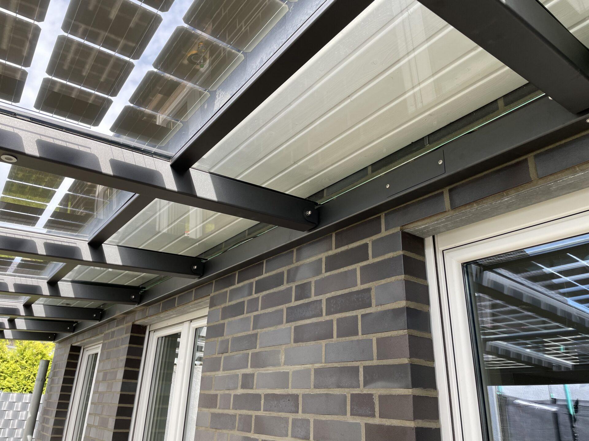 Terrassendach mit Photovoltaik