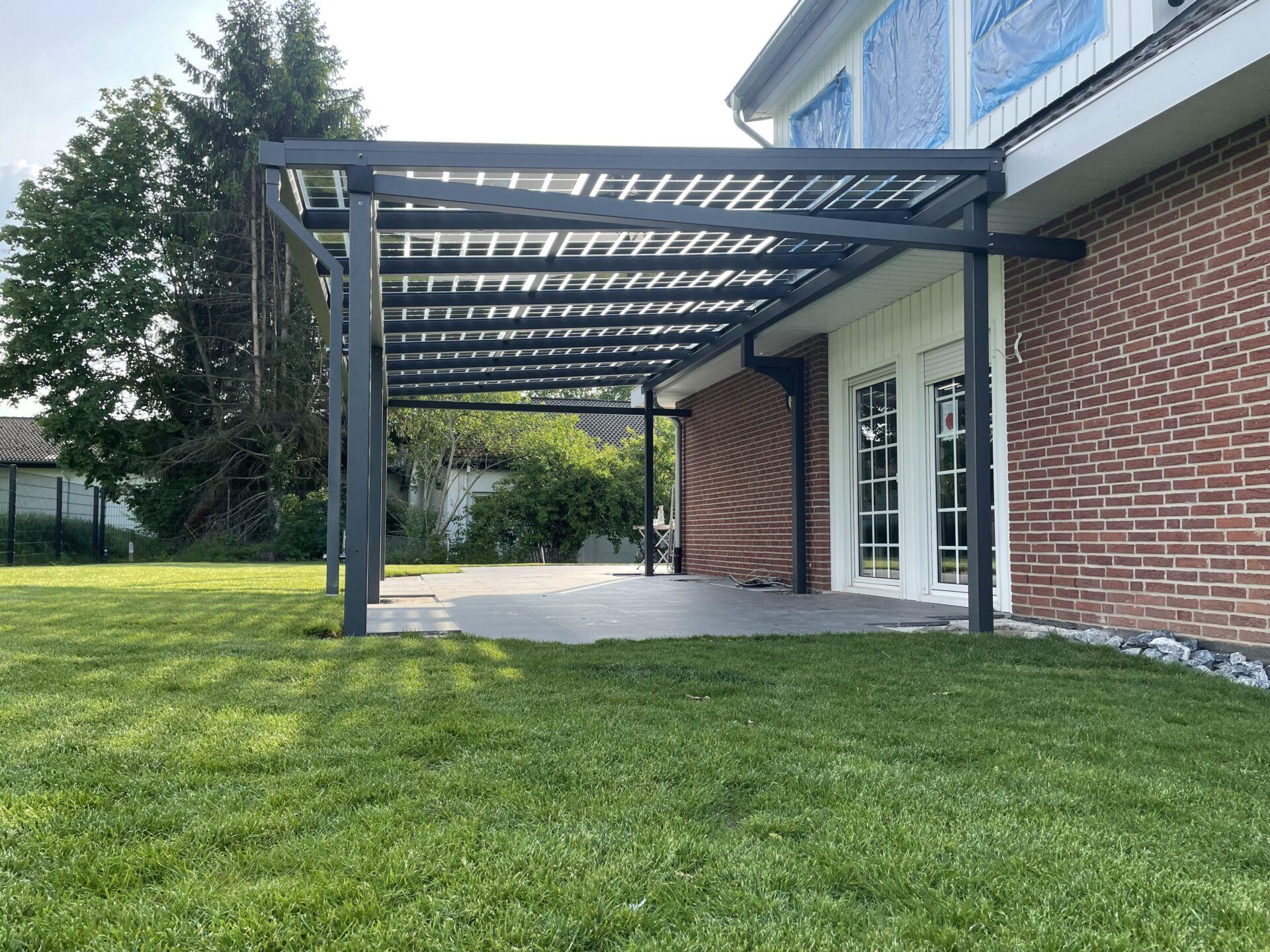Terrassenüberdachung mit PV